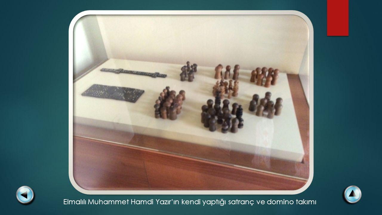 Elmalılı Muhammet Hamdi Yazır'ın kendi yaptığı satranç ve domino takımı