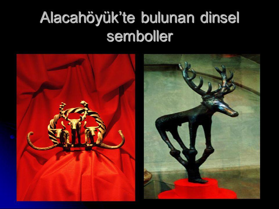 Alacahöyük'te bulunan dinsel semboller