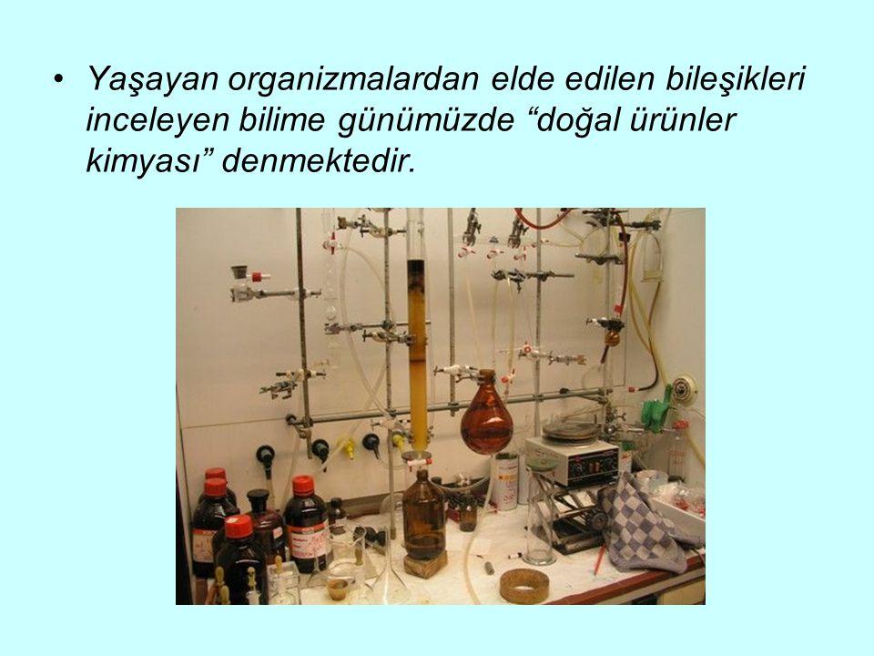 Yaşayan organizmalardan elde edilen bileşikleri inceleyen bilime günümüzde doğal ürünler kimyası denmektedir.