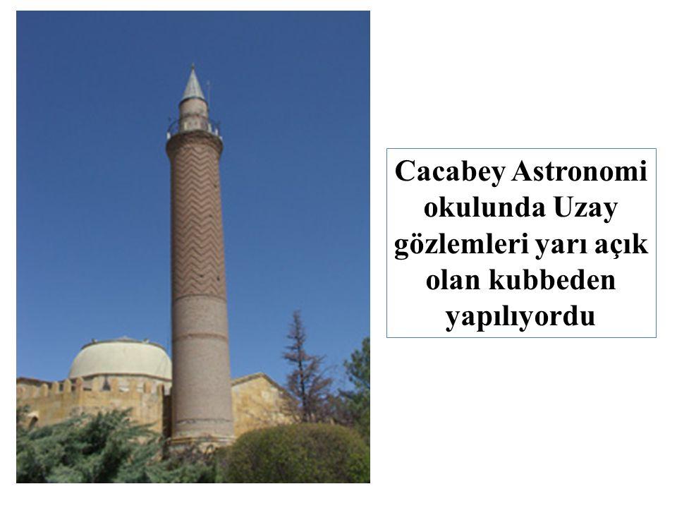 Cacabey Astronomi okulunda Uzay gözlemleri yarı açık olan kubbeden yapılıyordu