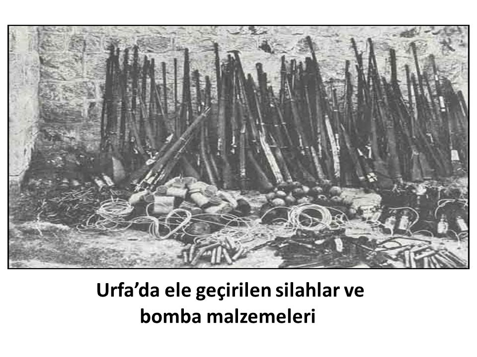 Urfa'da ele geçirilen silahlar ve bomba malzemeleri
