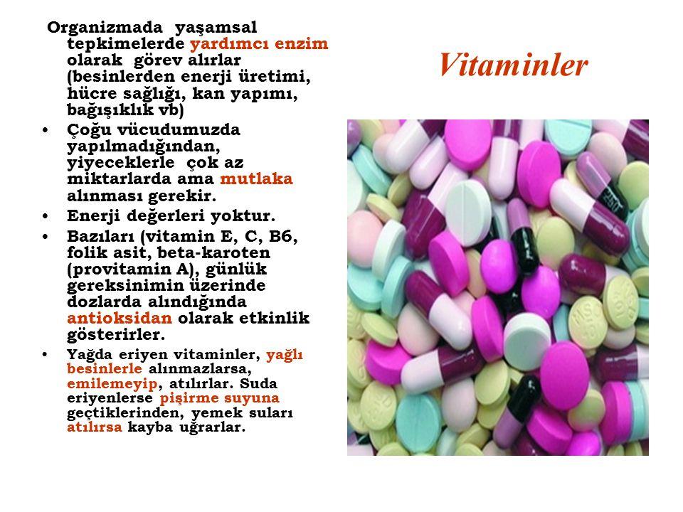 Organizmada yaşamsal tepkimelerde yardımcı enzim olarak görev alırlar (besinlerden enerji üretimi, hücre sağlığı, kan yapımı, bağışıklık vb)