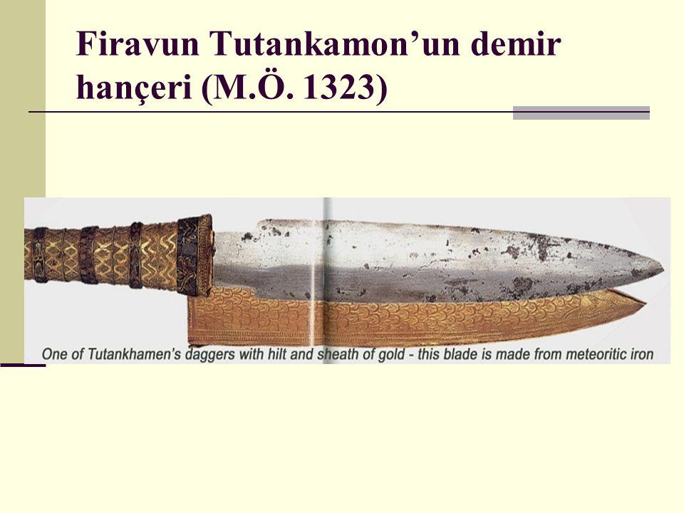 Firavun Tutankamon'un demir hançeri (M.Ö. 1323)