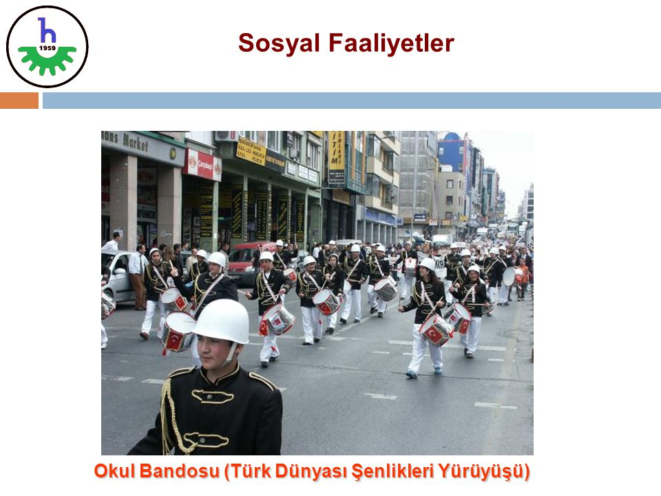 Okul Bandosu (Türk Dünyası Şenlikleri Yürüyüşü)