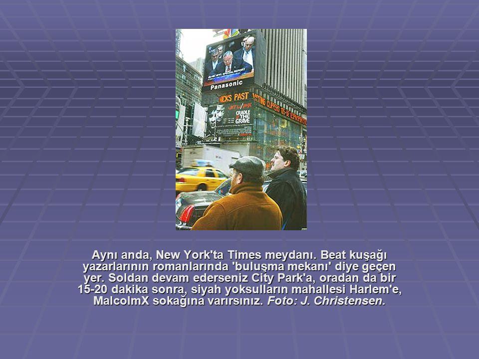 Aynı anda, New York ta Times meydanı