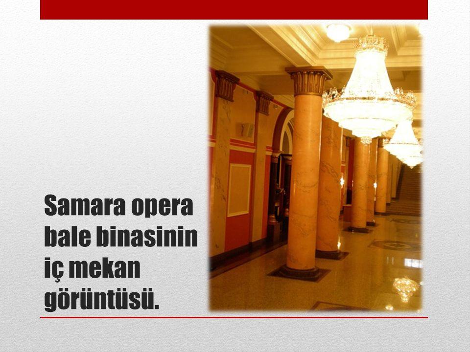 Samara opera bale binasinin iç mekan görüntüsü.