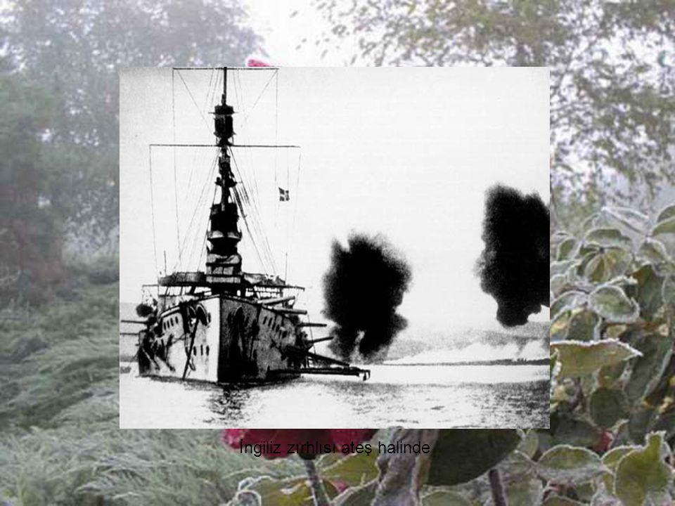 İngiliz zırhlısı ateş halinde