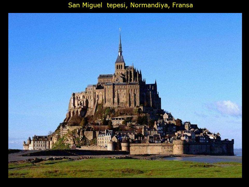 San Miguel tepesi, Normandiya, Fransa