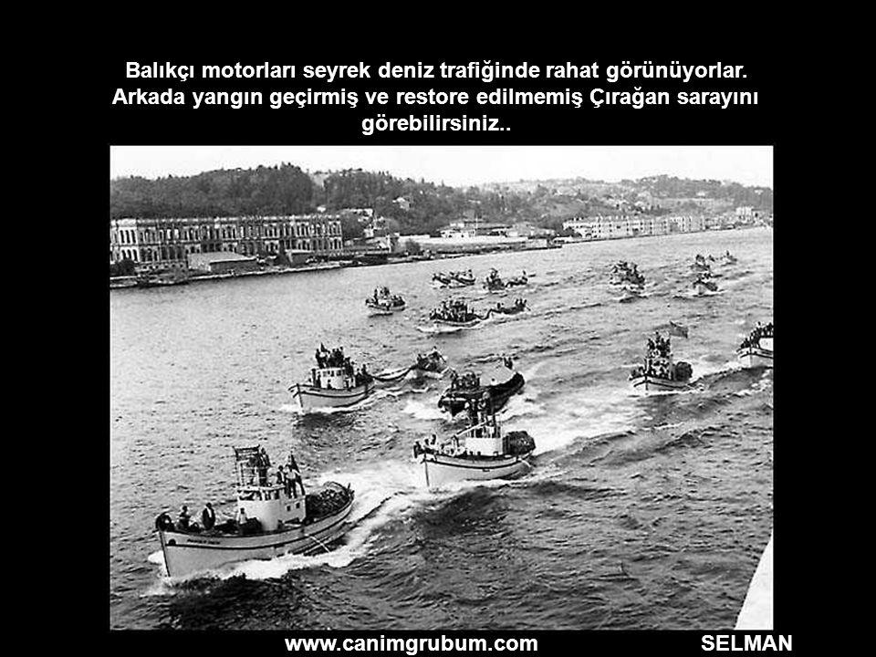 Balıkçı motorları seyrek deniz trafiğinde rahat görünüyorlar.