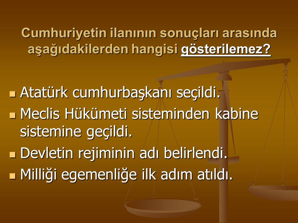 Atatürk cumhurbaşkanı seçildi.