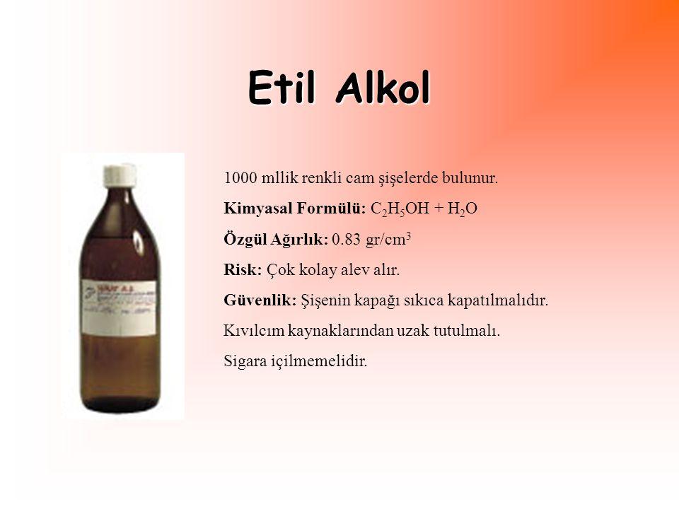Etil Alkol 1000 mllik renkli cam şişelerde bulunur.