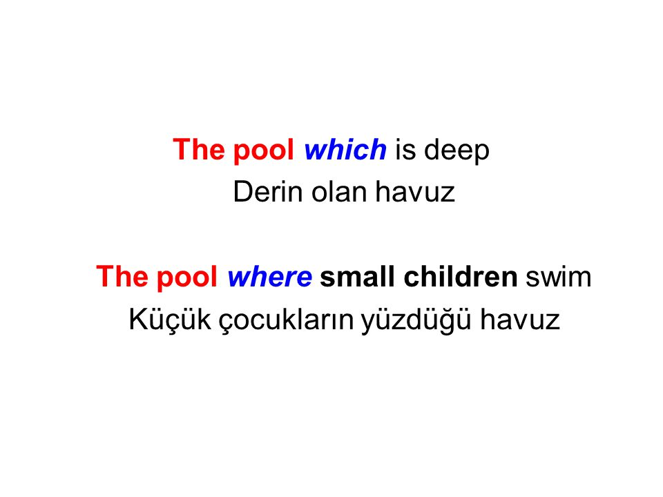 The pool where small children swim Küçük çocukların yüzdüğü havuz