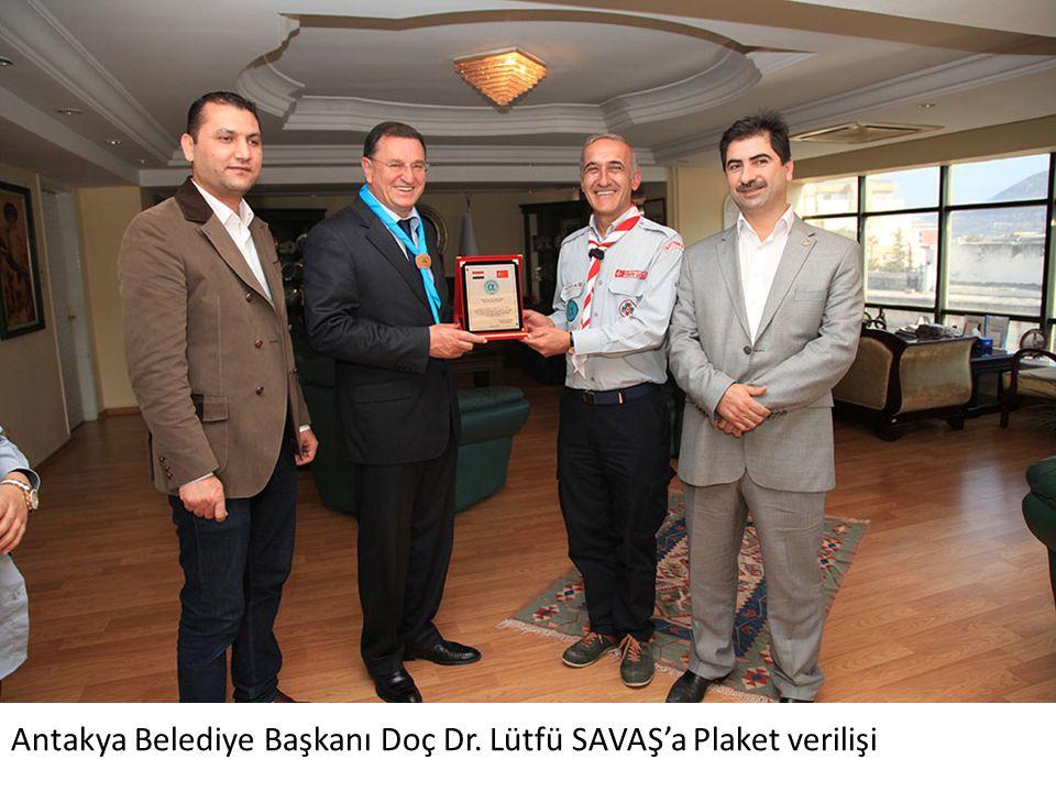 Antakya Belediye Başkanı Doç Dr. Lütfü SAVAŞ'a Plaket verilişi