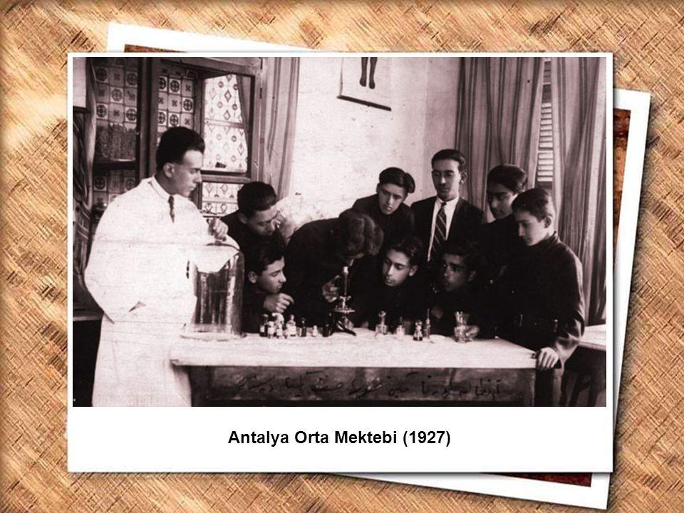 Antalya Orta Mektebi (1927)