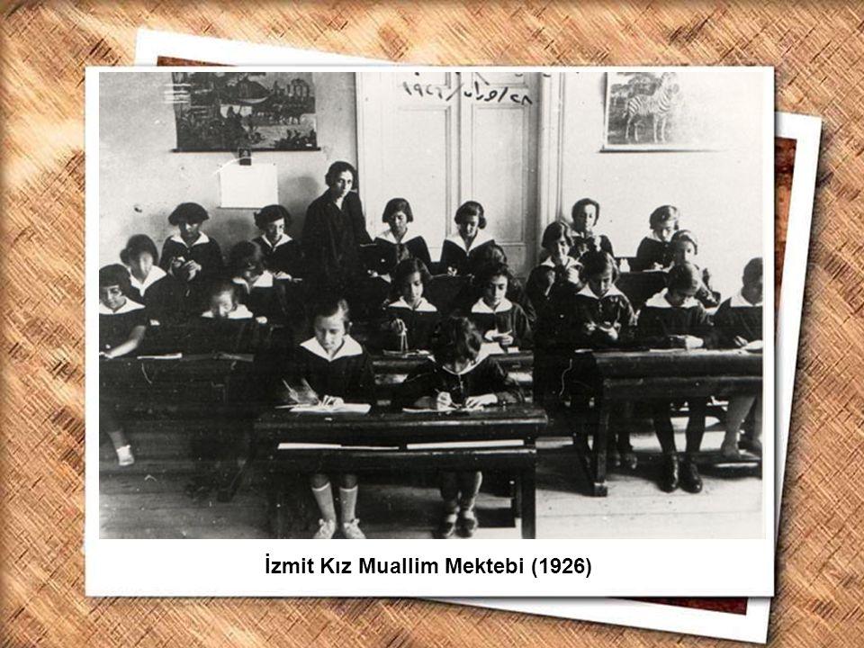 İzmit Kız Muallim Mektebi (1926)