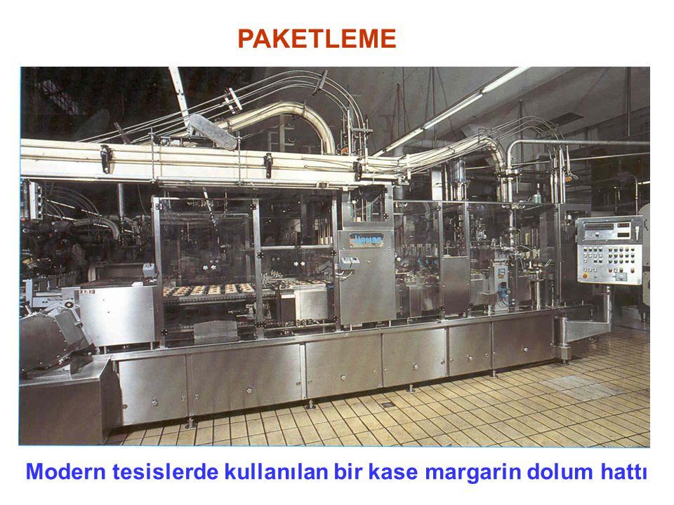 PAKETLEME Modern tesislerde kullanılan bir kase margarin dolum hattı
