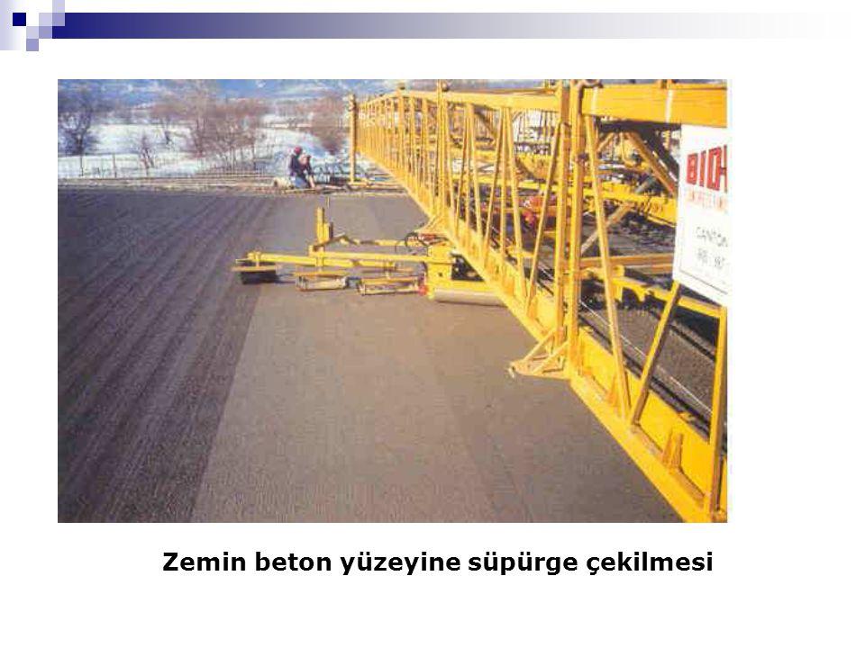 Zemin beton yüzeyine süpürge çekilmesi