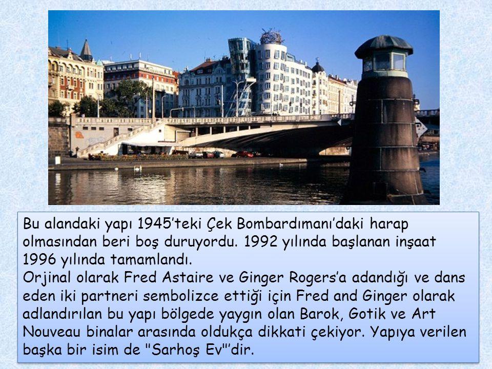 Bu alandaki yapı 1945'teki Çek Bombardımanı'daki harap olmasından beri boş duruyordu. 1992 yılında başlanan inşaat 1996 yılında tamamlandı.