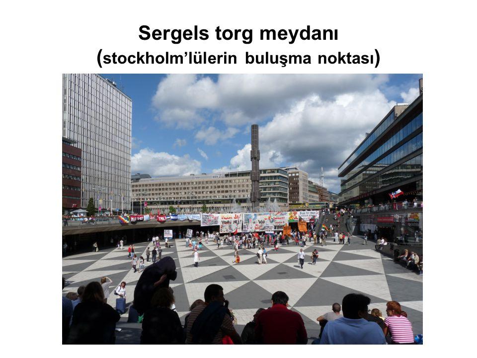 Sergels torg meydanı (stockholm'lülerin buluşma noktası)