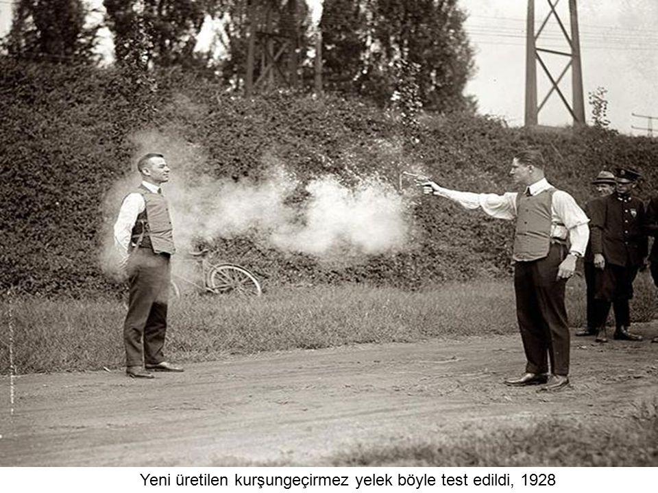 Yeni üretilen kurşungeçirmez yelek böyle test edildi, 1928