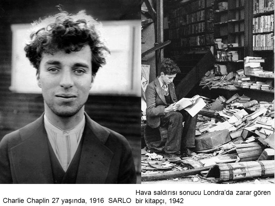 Hava saldırısı sonucu Londra'da zarar gören bir kitapçı, 1942
