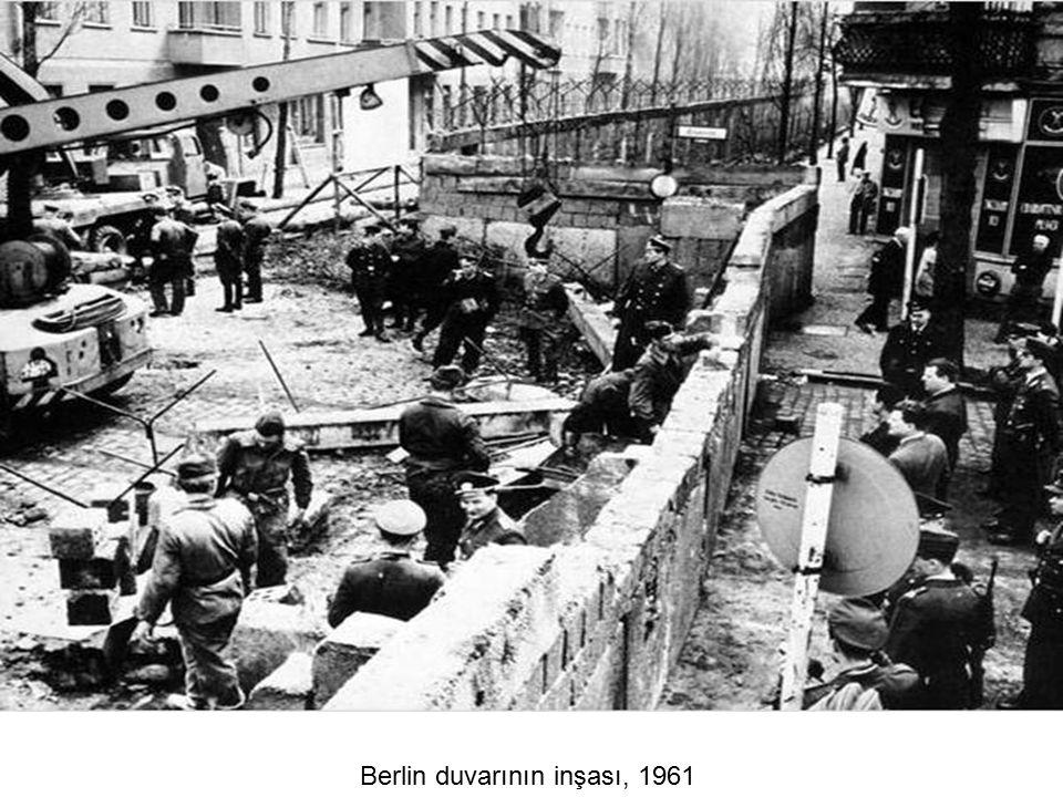 Berlin duvarının inşası, 1961