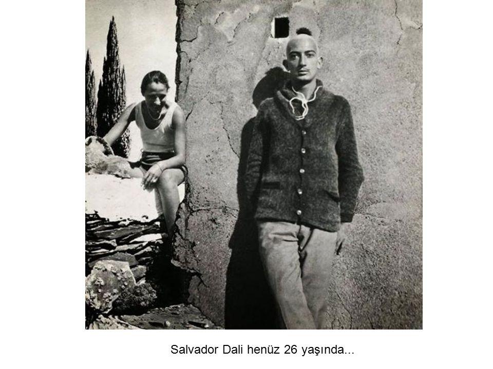 Salvador Dali henüz 26 yaşında...