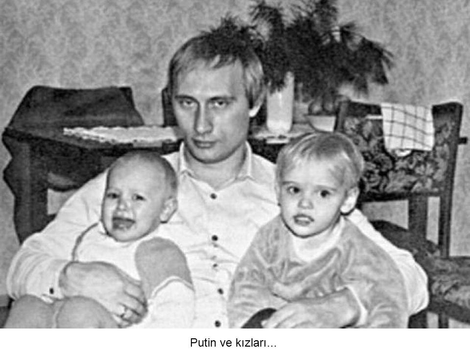 Putin ve kızları...