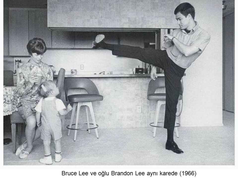 Bruce Lee ve oğlu Brandon Lee aynı karede (1966)