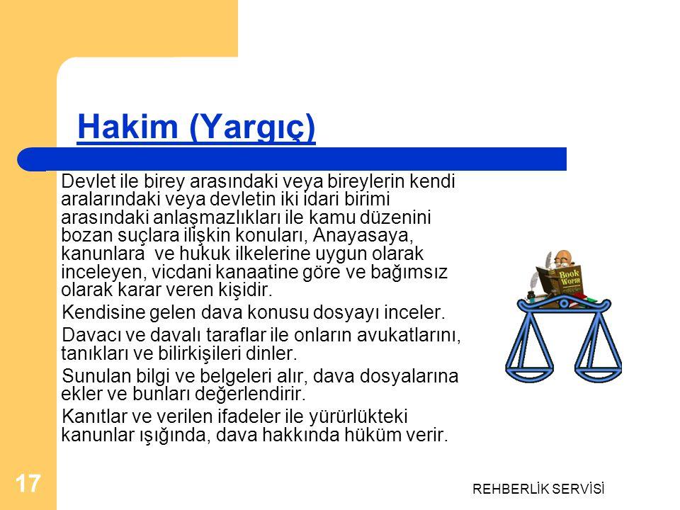 Hakim (Yargıç) Kendisine gelen dava konusu dosyayı inceler.