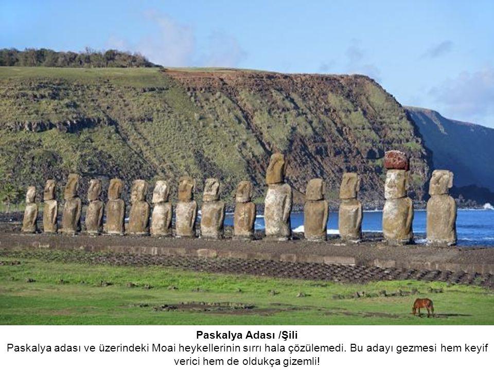 Paskalya Adası /Şili Paskalya adası ve üzerindeki Moai heykellerinin sırrı hala çözülemedi.
