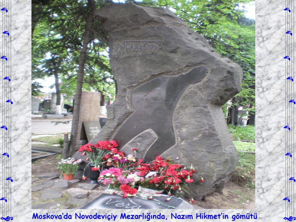 Moskova'da Novodeviçiy Mezarlığında, Nazım Hikmet'in gömütü
