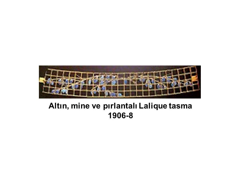 Altın, mine ve pırlantalı Lalique tasma 1906-8