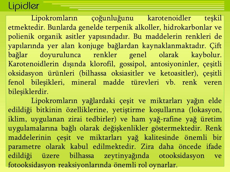 Lipokromların çoğunluğunu karotenoidler teşkil etmektedir