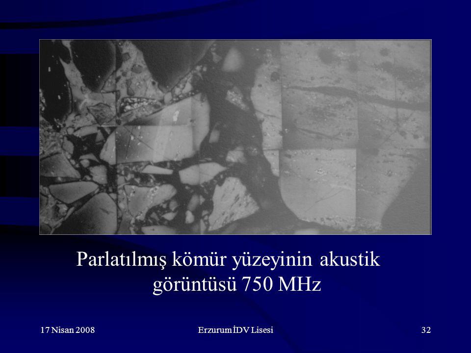 Parlatılmış kömür yüzeyinin akustik görüntüsü 750 MHz