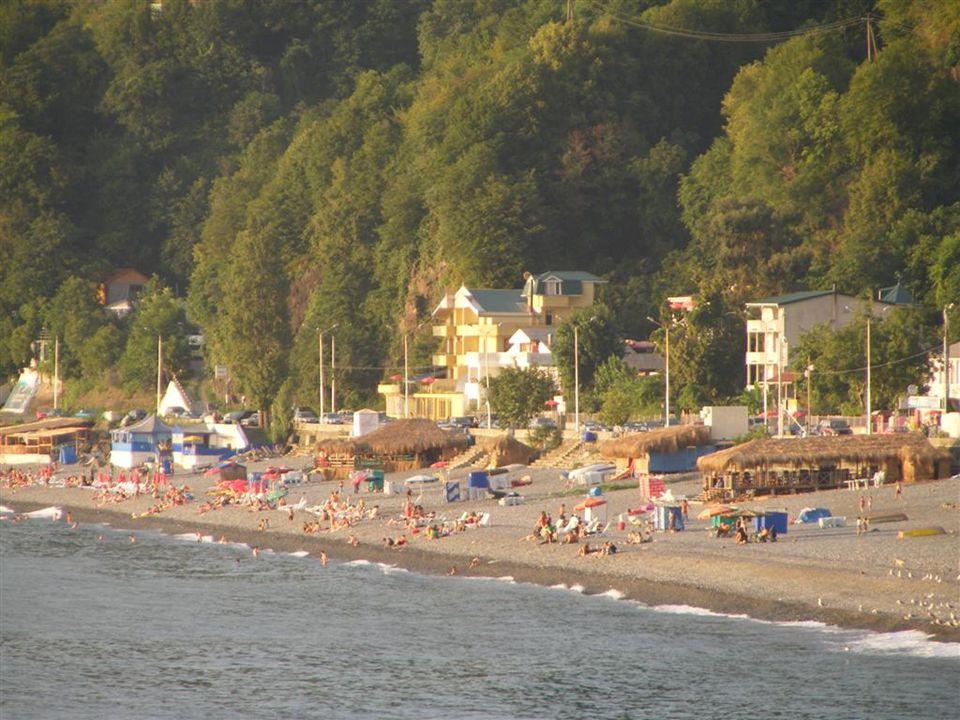 Temmuz da Rusya ile Gürcistan arasındaki savaş nedeniyle Türk tarafında hazır bekleyen Kızılay çadırları…