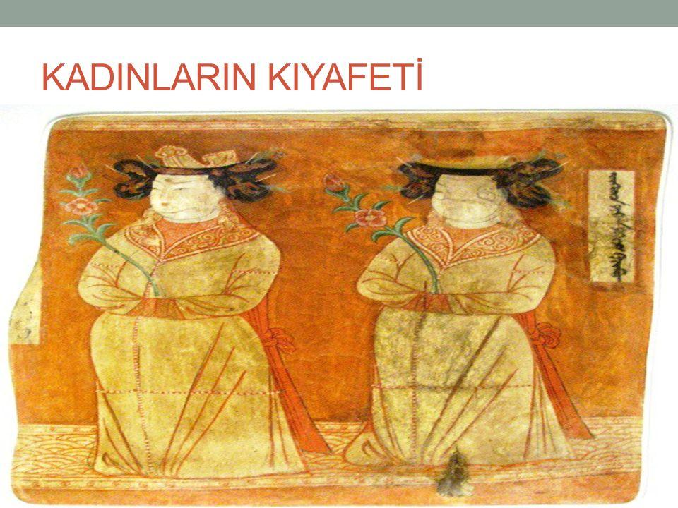 KADINLARIN KIYAFETİ