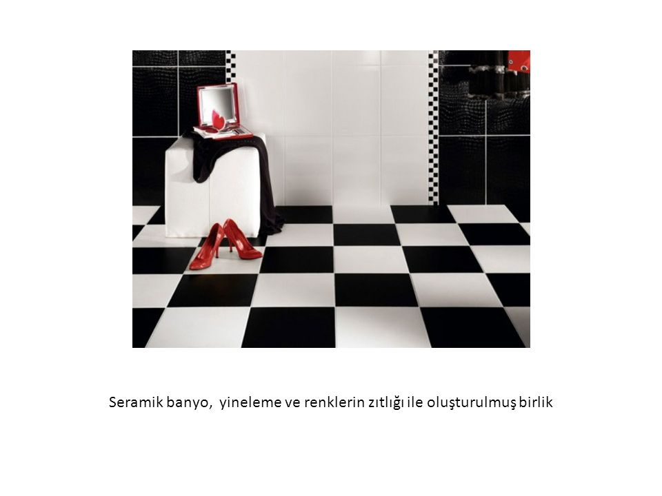 Seramik banyo, yineleme ve renklerin zıtlığı ile oluşturulmuş birlik