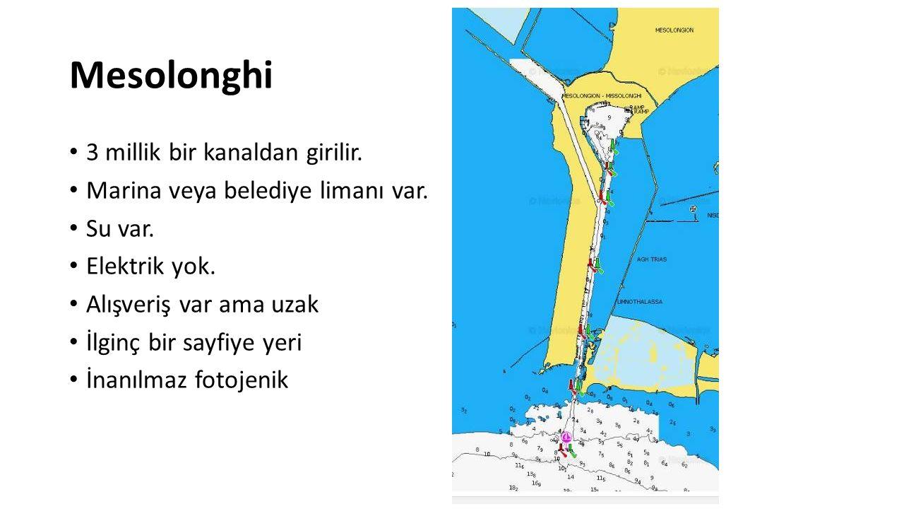 Mesolonghi 3 millik bir kanaldan girilir.