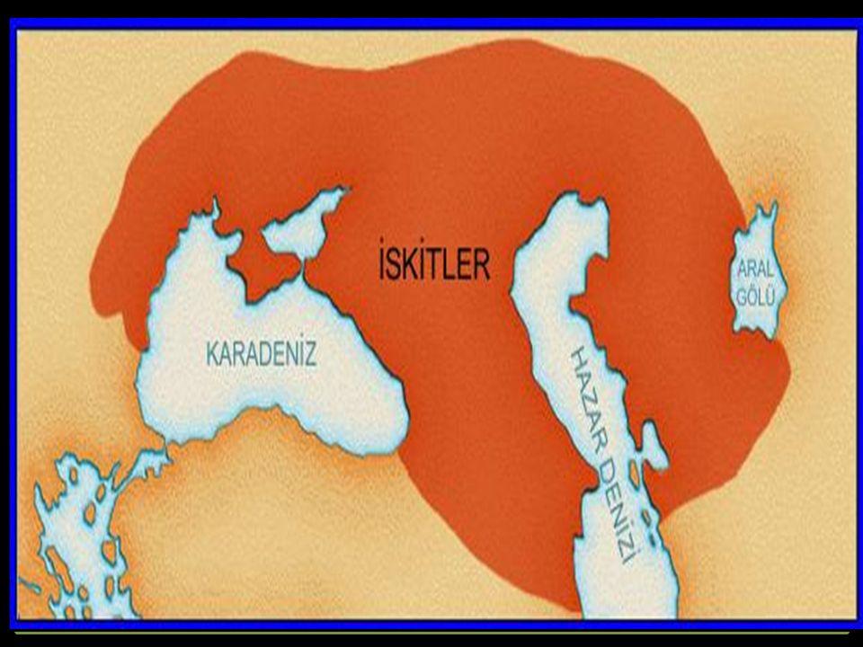 Orta Asya ve Karadeniz'in kuzeyinde önemli uygarlık kuran topluluklardan biri de İskitlerdir. Orta Asya'da, Altay Dağlarının doğusunda göçebe olarak yaşayan İskitler (Sakalar), MÖ VII. yüzyılda batıya göç edip Orta Asya ve Karadeniz'in kuzeyine yerleşmişlerdir. Yapılan kazılarda ortaya çıkarılan kalıntılar İskitlerin, Türk kökenli olduklarını ortaya koymuştur.