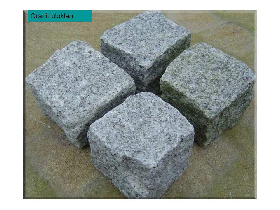 Granit blokları