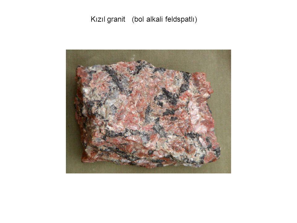 Kızıl granit (bol alkali feldspatlı)