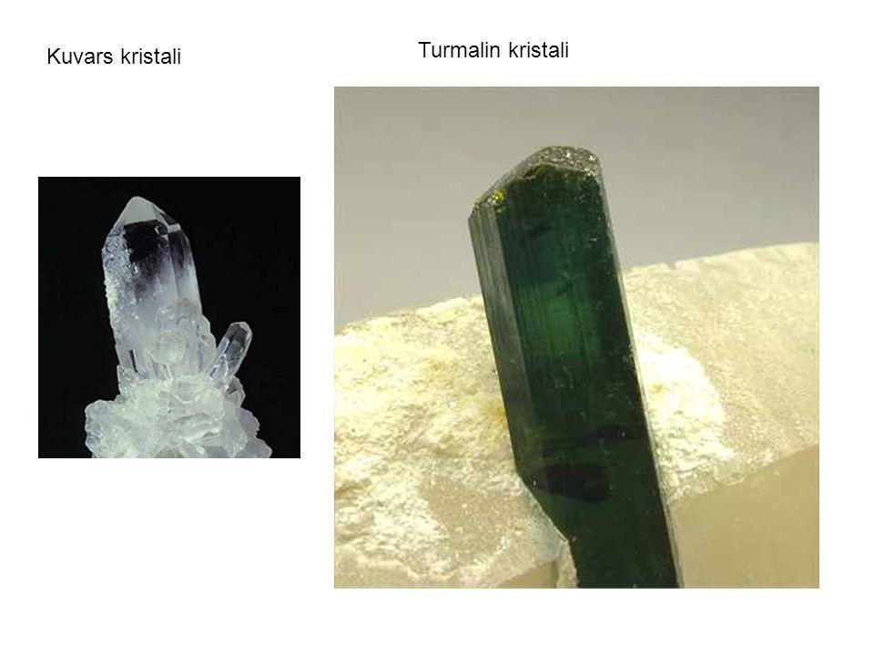 Turmalin kristali Kuvars kristali