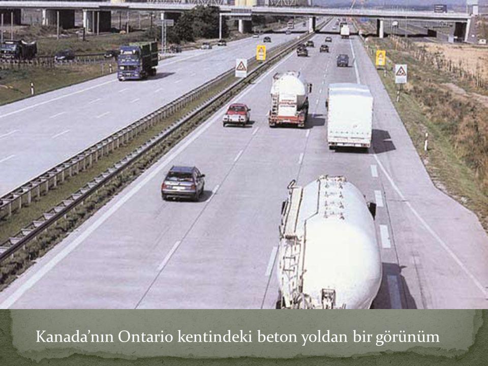Kanada'nın Ontario kentindeki beton yoldan bir görünüm